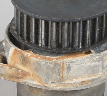Problem_Diagnosis_361x323_Water_Pump_Weep_Hole_Leakage